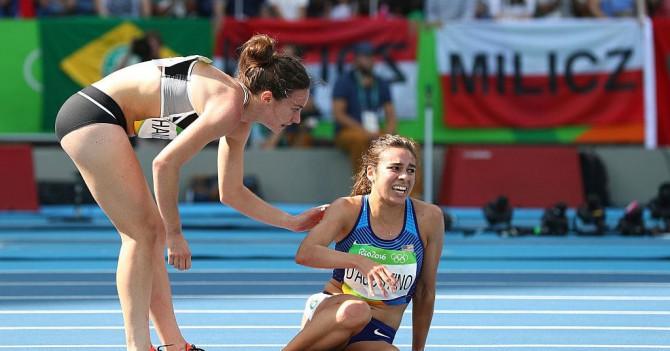МОК наградил спортсменок, которые не бросили друг друга в беде