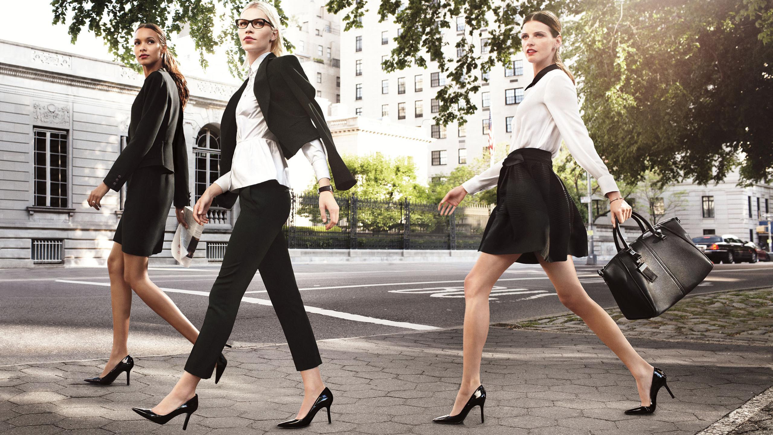 Деловой ансамбль: Идеальный гардероб для business woman