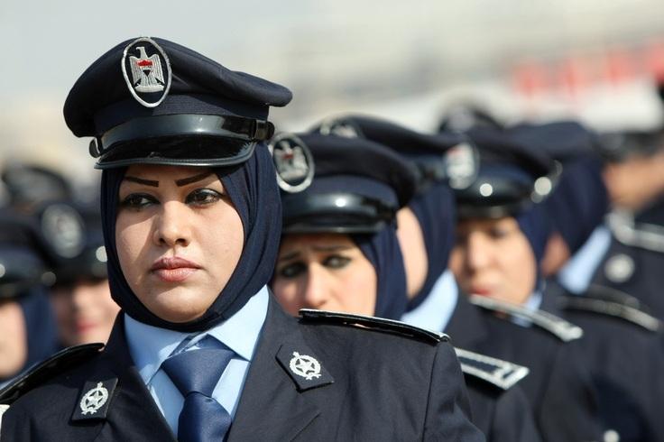 хиджаб полицейские женщины