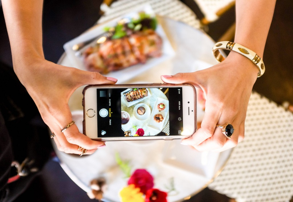 how-to-take-food-pics-using-iphone1
