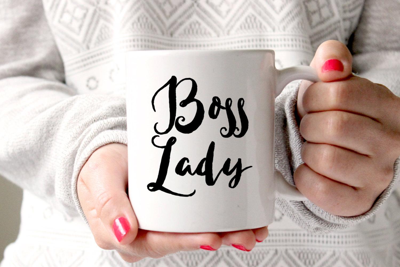 Без ежовых рукавиц: С юмором о мягких стратегиях женского лидерства