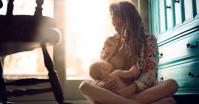 ООН за брелфи: Представители организации выступили за поддержку селфи кормящих грудью матерей