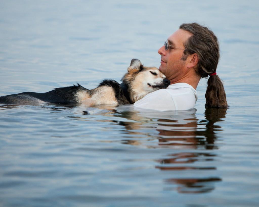 мужчина собака пес