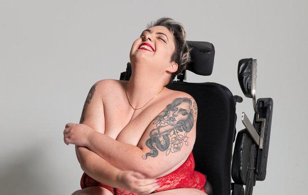 Честный взгляд женщин на собственное тело: 15 потрясающих фото