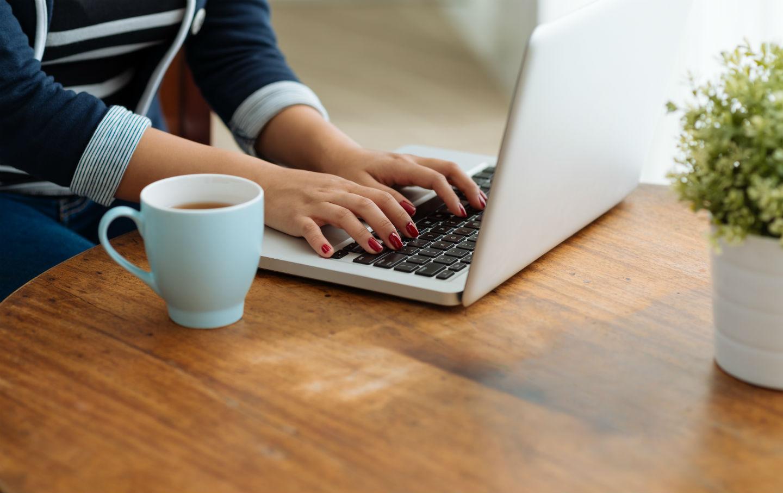 Никогда этого не делайте на работе: 6 вещей, портящих карьеру