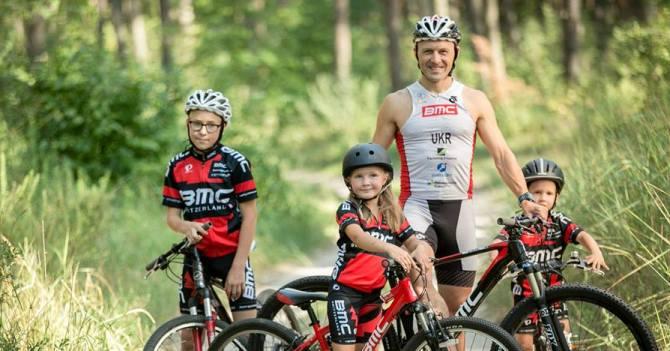 Андрей Онистрат об осознанном отцовстве, многодетности и спорте