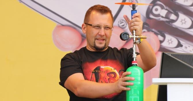 Олександр Буткалюк: «Дитина – не клон дорослого, є речі, що цікавлять тільки її»