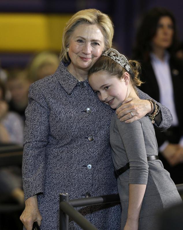 """Хиллари Клинтон: """"Я могу стать первой женщиной-президентом США, а - ты следующей"""""""