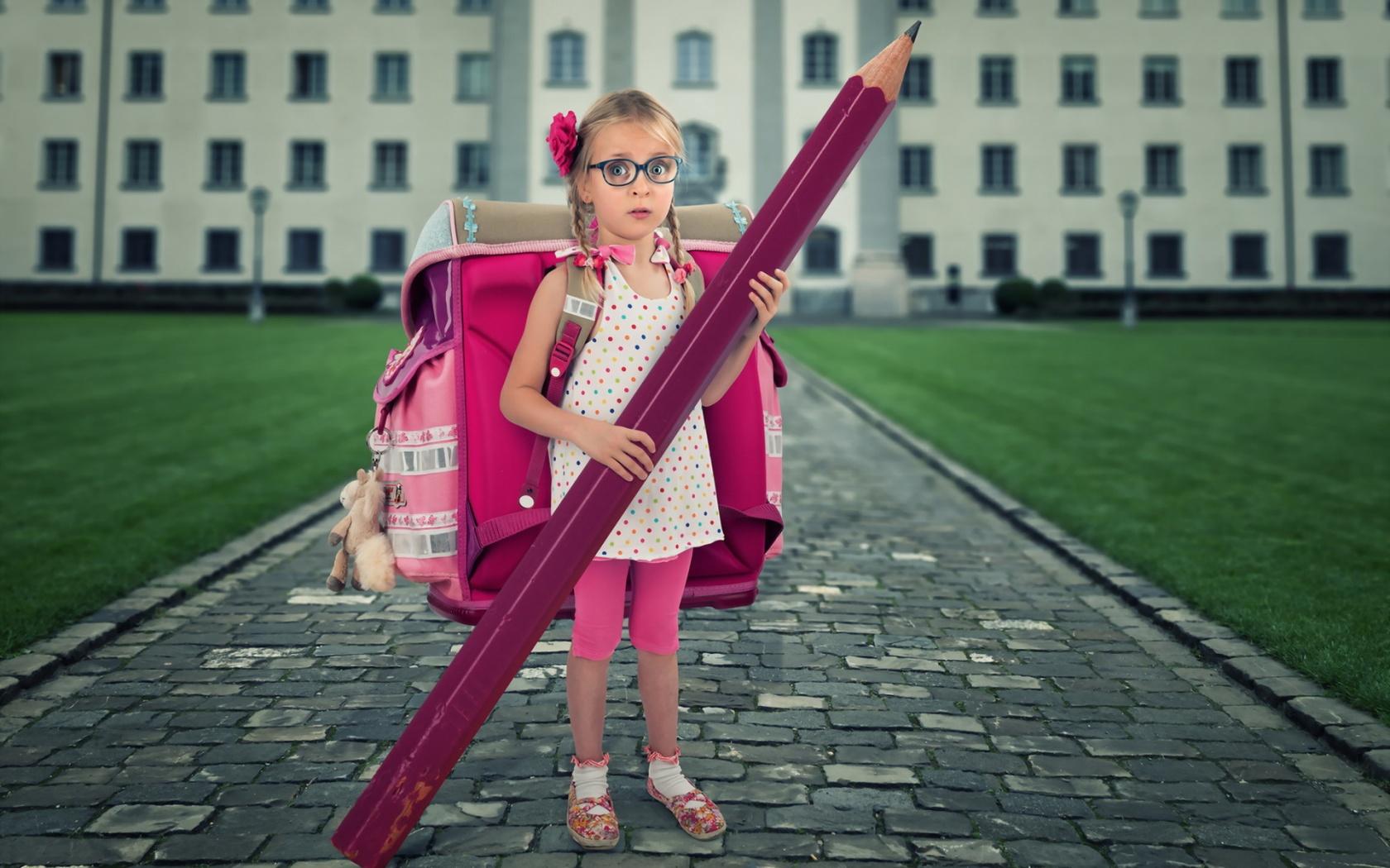 Школьный парадокс: Девочки учатся лучше, зато мальчики - более счастливы