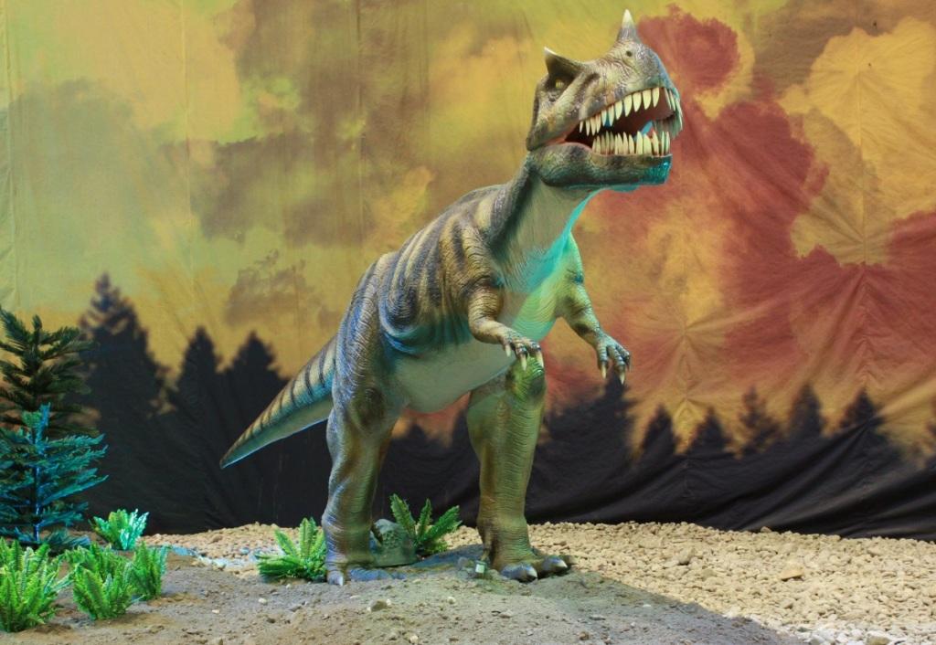 1474897652_ceratosaurus