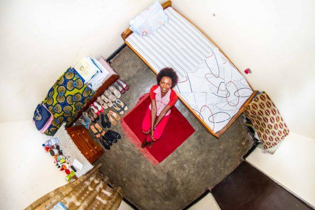 room915-josee-22ans-etudiante-en-comptabilite_-kigali-rwanda-e1476201892830