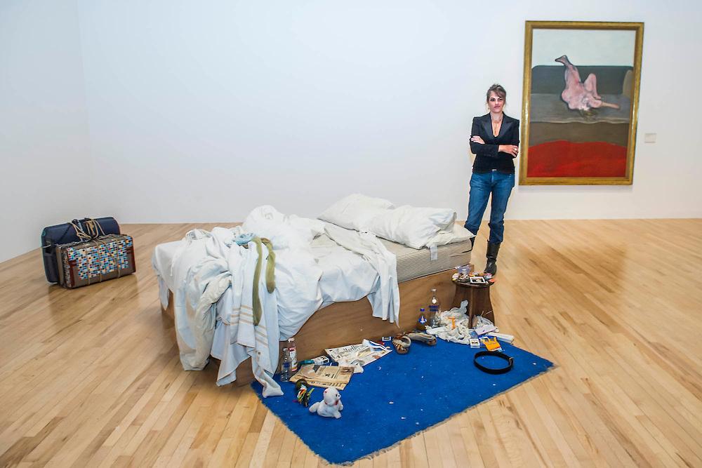 Трейси Эмин. Инсталляция My bed, показанная в лондонской галерее Tate в 1999 г.