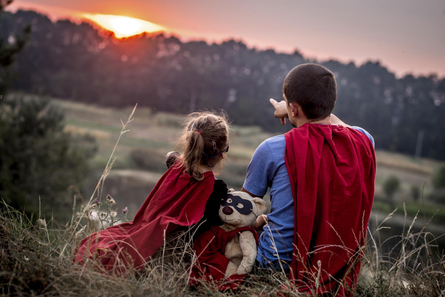 """""""12 секретів виховання впевненої в собі дитини"""""""