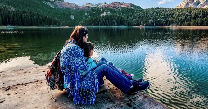 """Невидимая связь: Ошибки """"идеальных"""" мам, которые могут дорого стоить их детям"""
