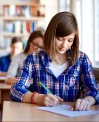 Погляд зсередини: Різниця між навчанням в середніх школах України та Польщі