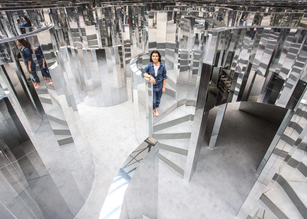 Инсталляция Mirror Maze дизайнера Эс Девлин