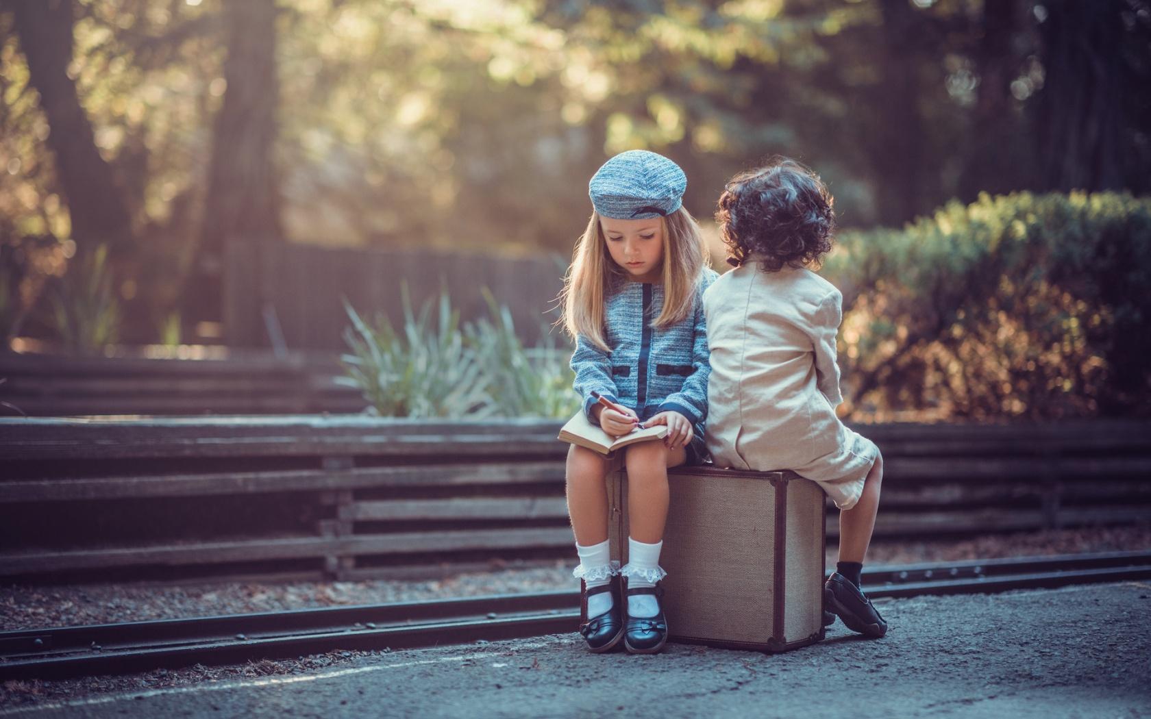Дети, дружба, переезд: Как заводить друзей в новой стране