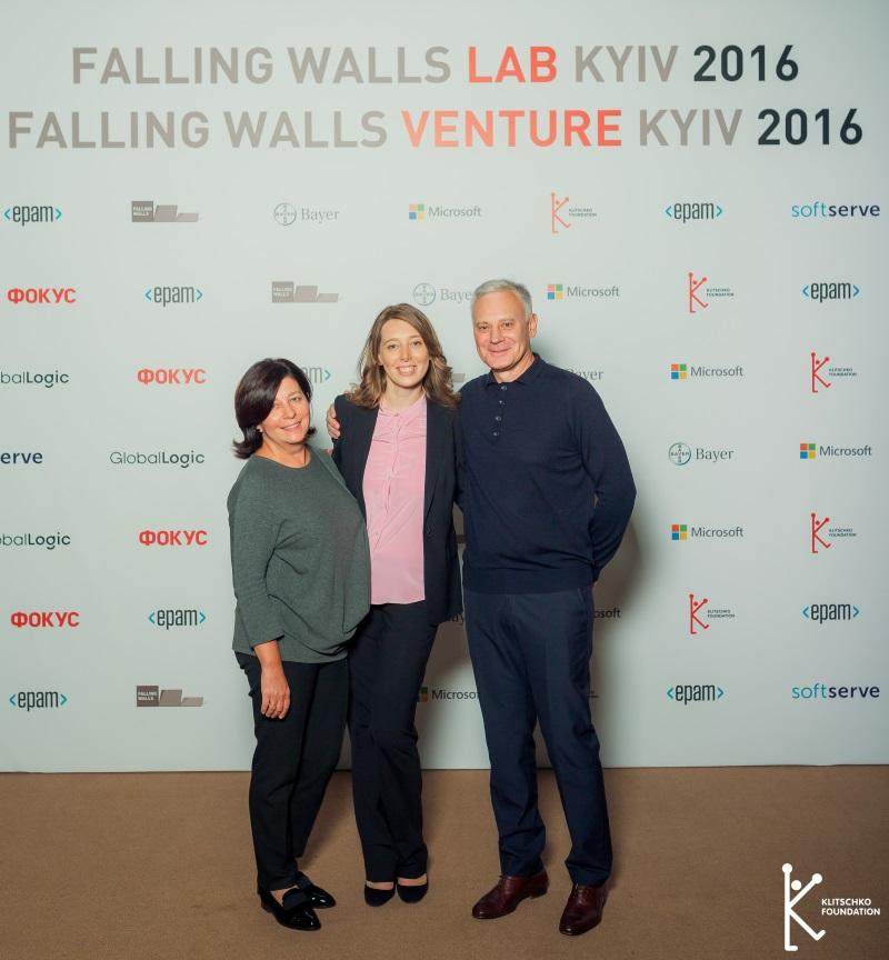 falling_walls_2224