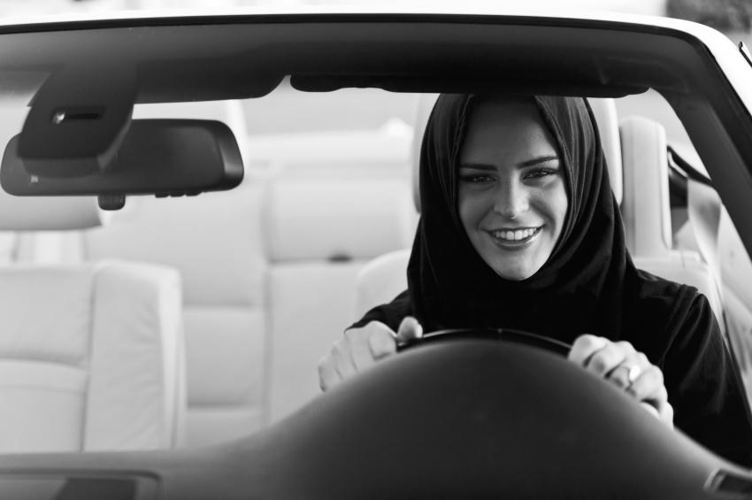 Пора за руль: Принц Аль-Валид бин Талал призвал разрешить женщинам водить автомобиль