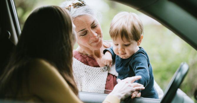 Как найти няню за 5 минут: 5 лайфхаков работающей мамы