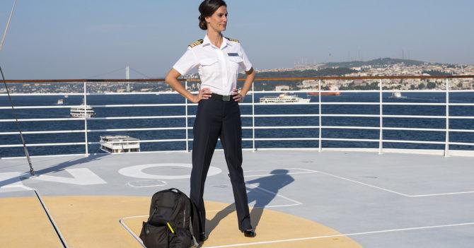 Что делают сексуальные женщины на корабле фото 129-665