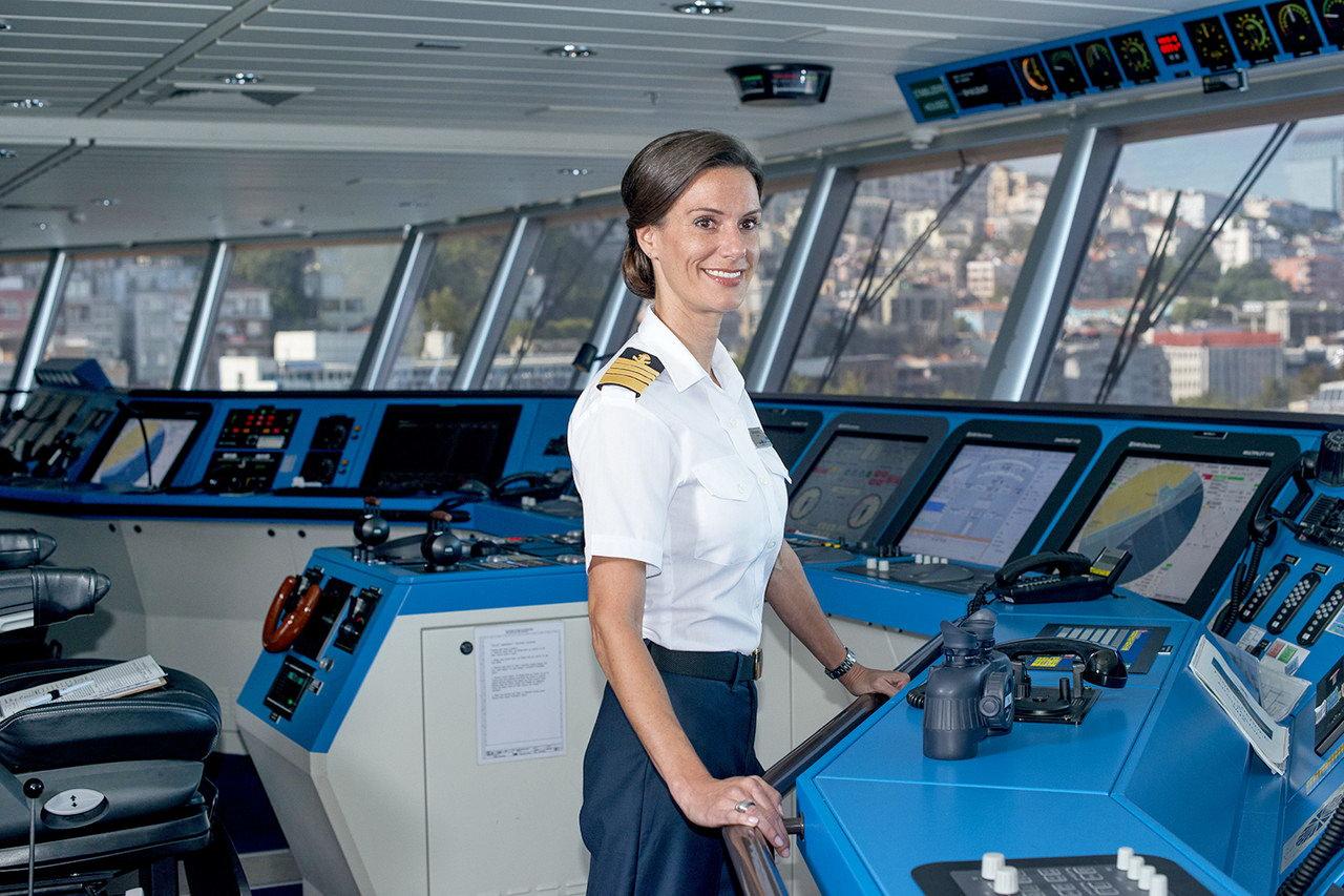 Что делают сексуальные женщины на корабле фото 129-62