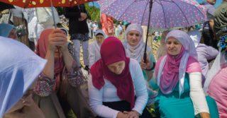 Быть вдовой: Жизнь женщин в разных странах мира после потерь