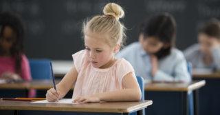 Прописи и клеточки: Чему действительно стоит учить детей в школе