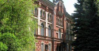До 100-річчя Національної академії образотворчого мистецтва і архітектури
