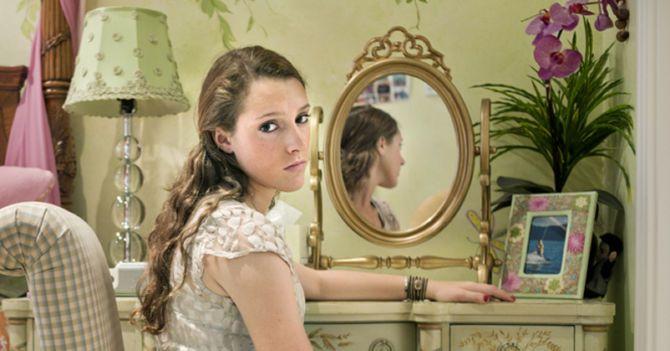Хирургия восприятия: Почему девочки-подростки хотят лечь под скальпель