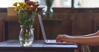 Без предрассудков: 8 вдохновляющих сайтов и каналов для женщин
