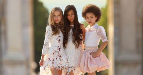 В трудный возраст во всеоружии: 6 важных шагов, которые помогут новому поколению девочек стать счастливыми