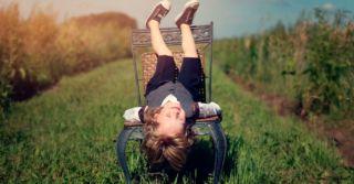 Подсознание смеха: Как, почему и над чем мы смеемся
