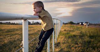 Пусть плачет: Как вырастить сына феминистом без привязки к гендерным ролям