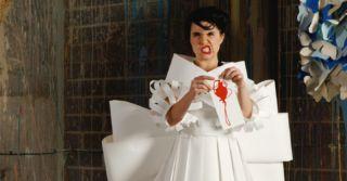 Прикрыться блокнотом: Платье без рукавов под запретом в Палате представителей США