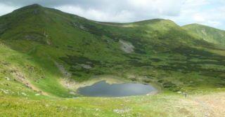 Карпатські канікули з дітьми: Озеро Несамовите та Говерла