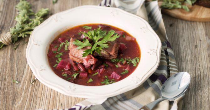 Етнографія в тарілці: Борщ та інші старовинні страви для стомлених душ