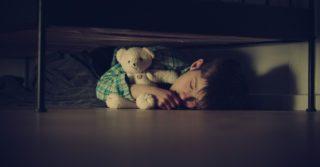 Плохие новости: Как говорить с детьми о трагедиях, происходящих в мире