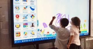 WoMo-знахідка: Інтерактивна панель для навчання EdPro Touch