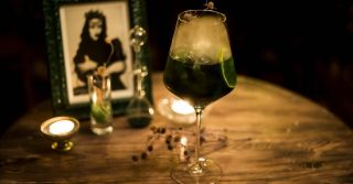 В неділю рано зілля копала: Как и для чего в Киеве открыли ведьминский бар