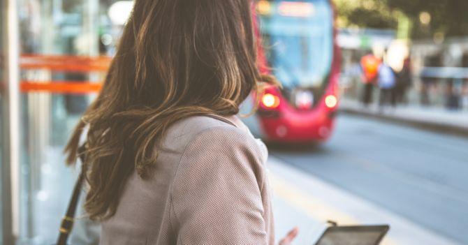 Ходімо пішки: Більше 50% жінок у світі не користуються громадським транспортом