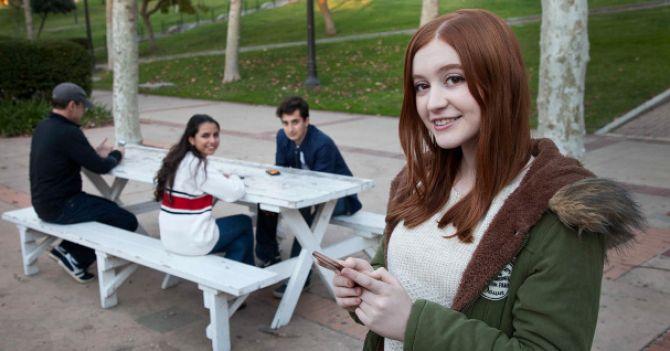Один за всех: Как 16-летняя школьница придумала мобильное приложение против буллинга подростков