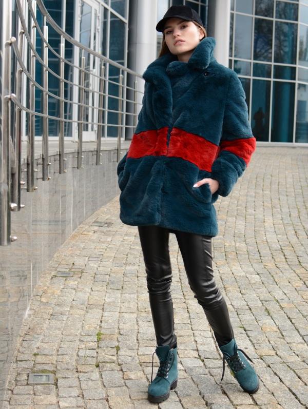 e1881a9d13f2387 Яркие шубки, бархатные платья и юбки, женственные свитшоты, кожаные брюки,  теплые свитера, удобная обувь помогут согреться и в зимней повседневности,  ...