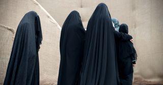 """""""Если она сама выйдет на улицу, я ее убью"""": 6 мужчин о правах женщин в Иордании"""