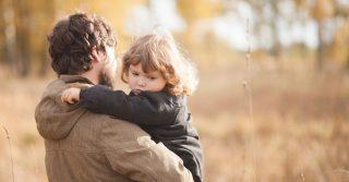 Привязанные страхом: Детский опыт, который определяет нашу жизнь