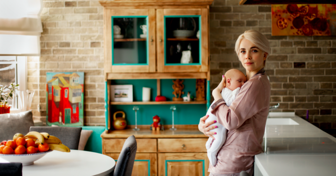 Такое разное материнство: Опыт в 20 и 36 лет