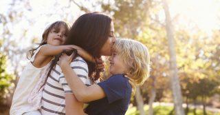 """Секрети спокою """"лінивої мами"""": 10 інсайтів з книжки Анни Бикової"""