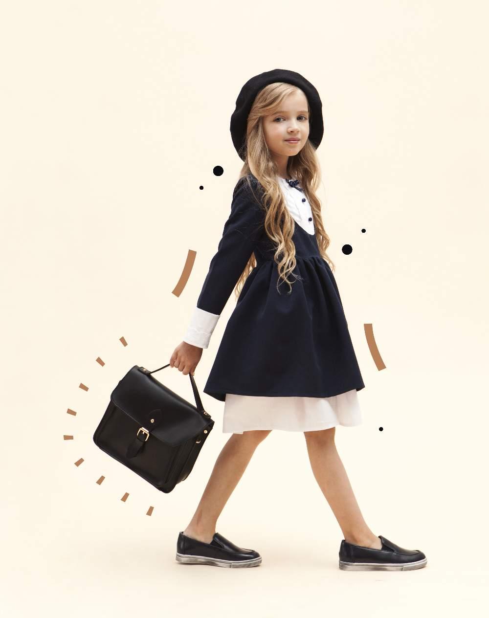 c65775d599bf07 Творці марки зізнаються, що натхнення завжди черпають від своїх дітей. Так,  вони пропонують дівчаткам ходити до школи у романтичних сукнях.