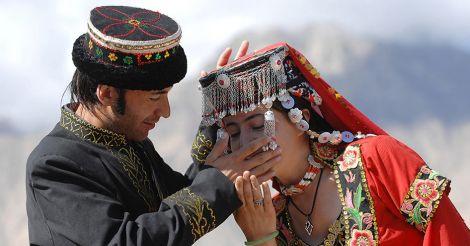 Классический патриархат и жена в тени: Как сегодня живут мужчины в Таджикистане