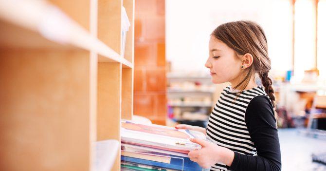 Демократія у школі: Як може виглядати освітній заклад, де діти самі відповідають за своє навчання?